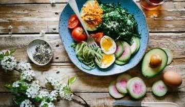 La Triada Saludable: Alimentación, ejercicio y descanso.